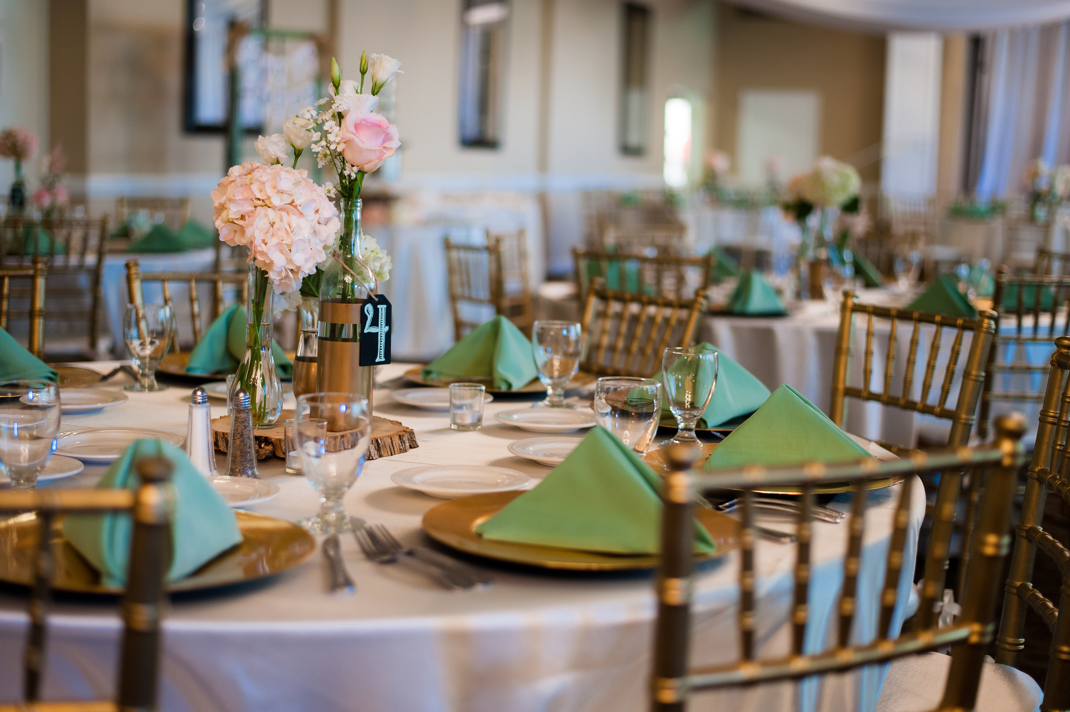 Tips guide on finding the best perfect wedding venue idofind finding the perfect venue for your wedding junglespirit Images